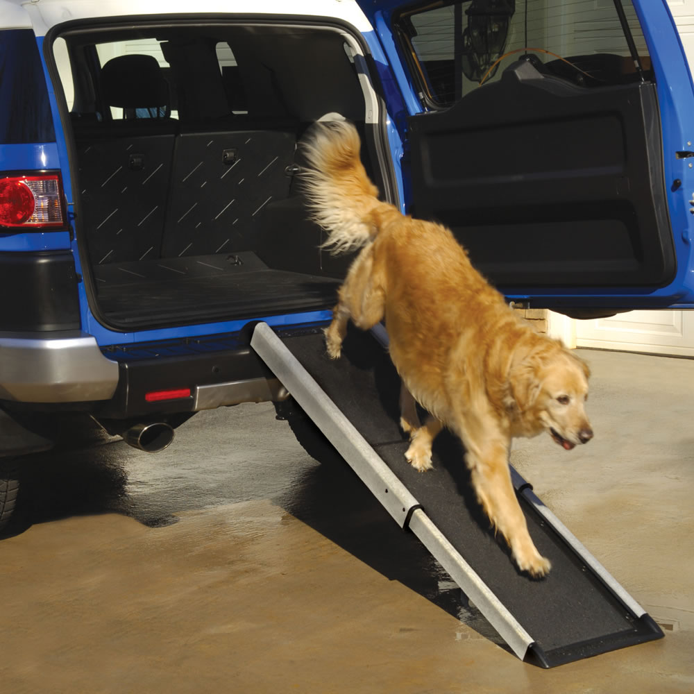 The Portable Telescoping Pet Ramp1
