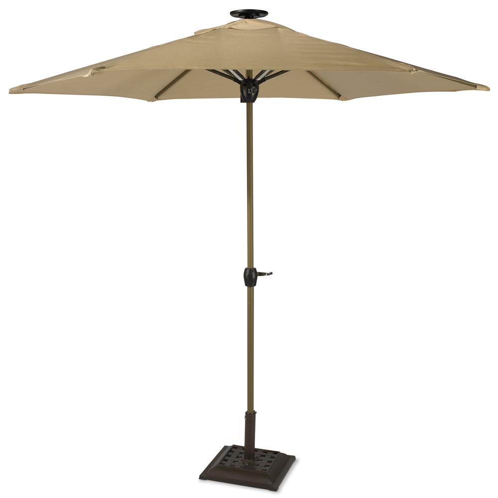 the solar powered lighted patio umbrella hammacher schlemmer