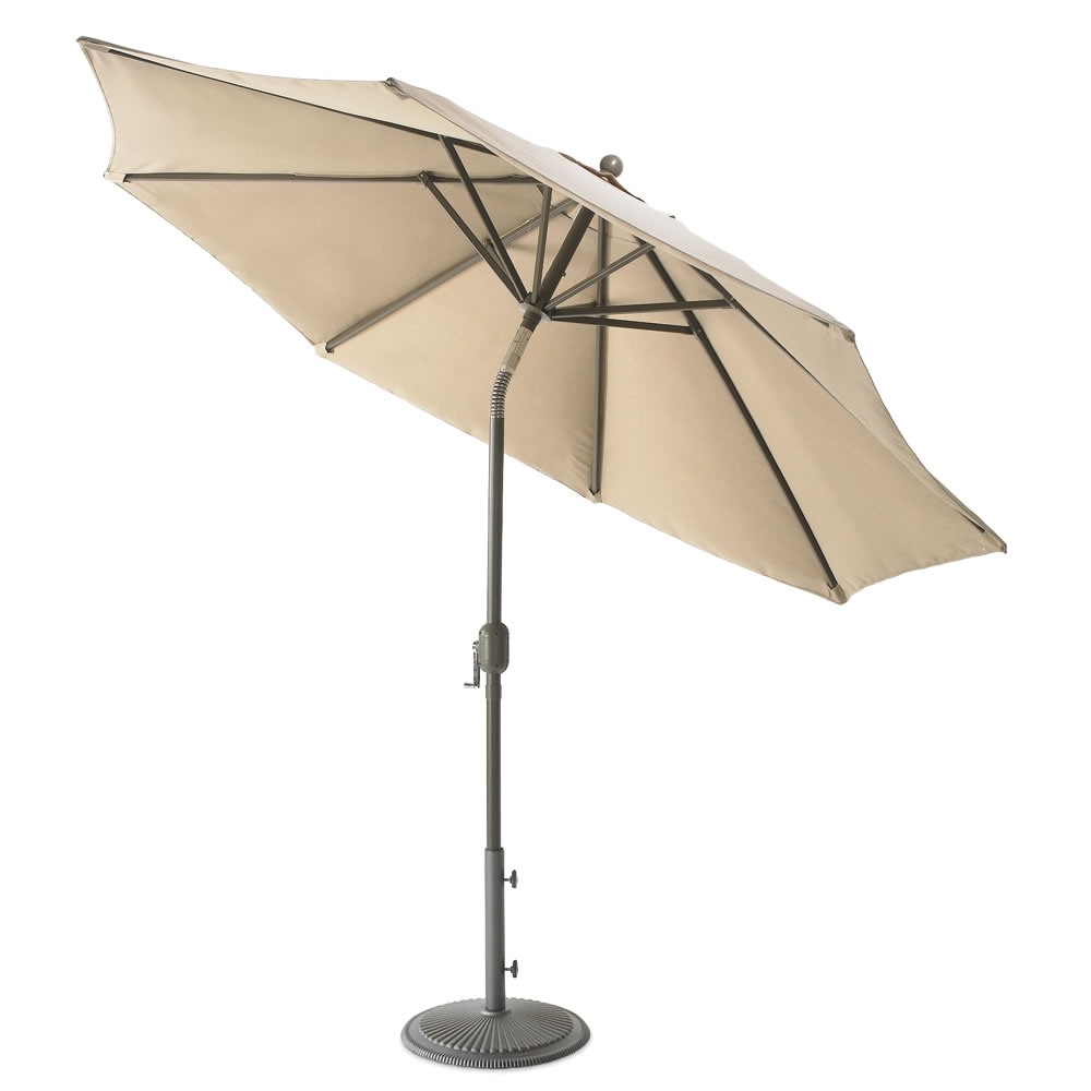 The Wind Adapting Market Umbrella 2