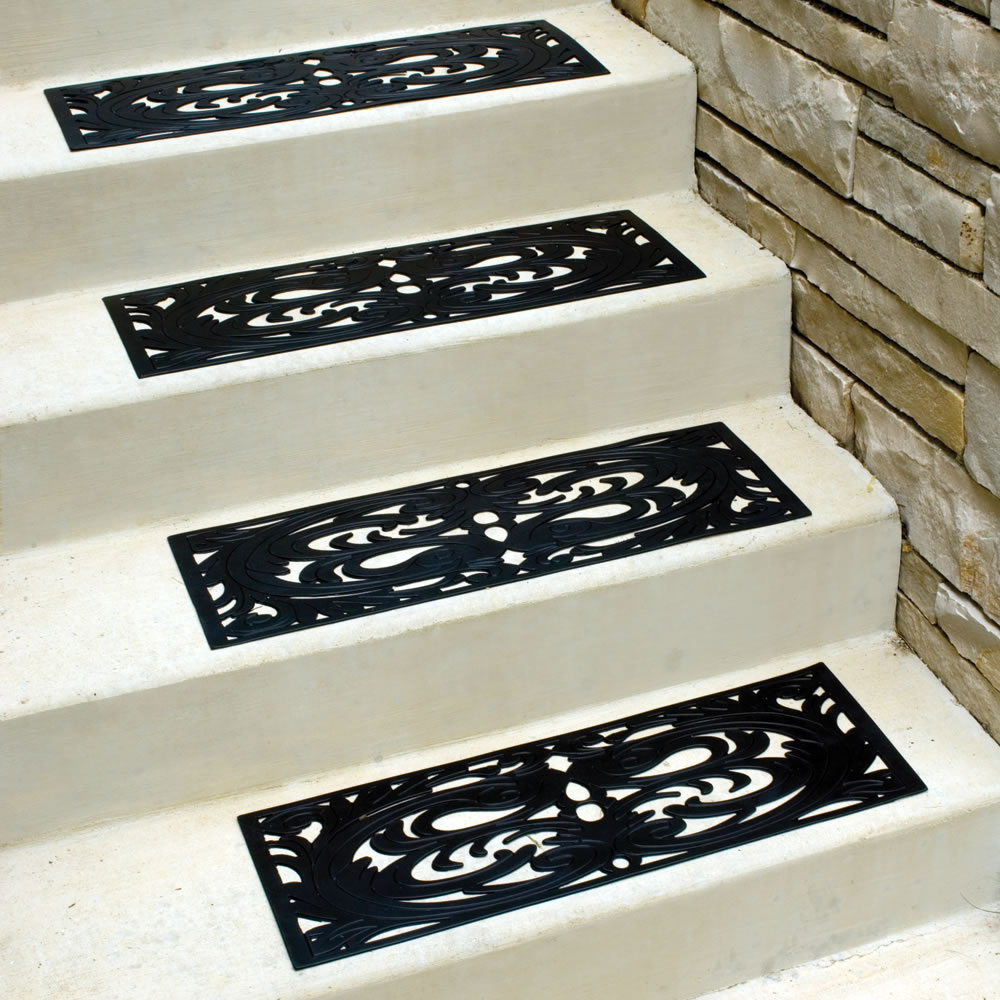 The NonSlip Outdoor Rubber Stair Tread Hammacher Schlemmer