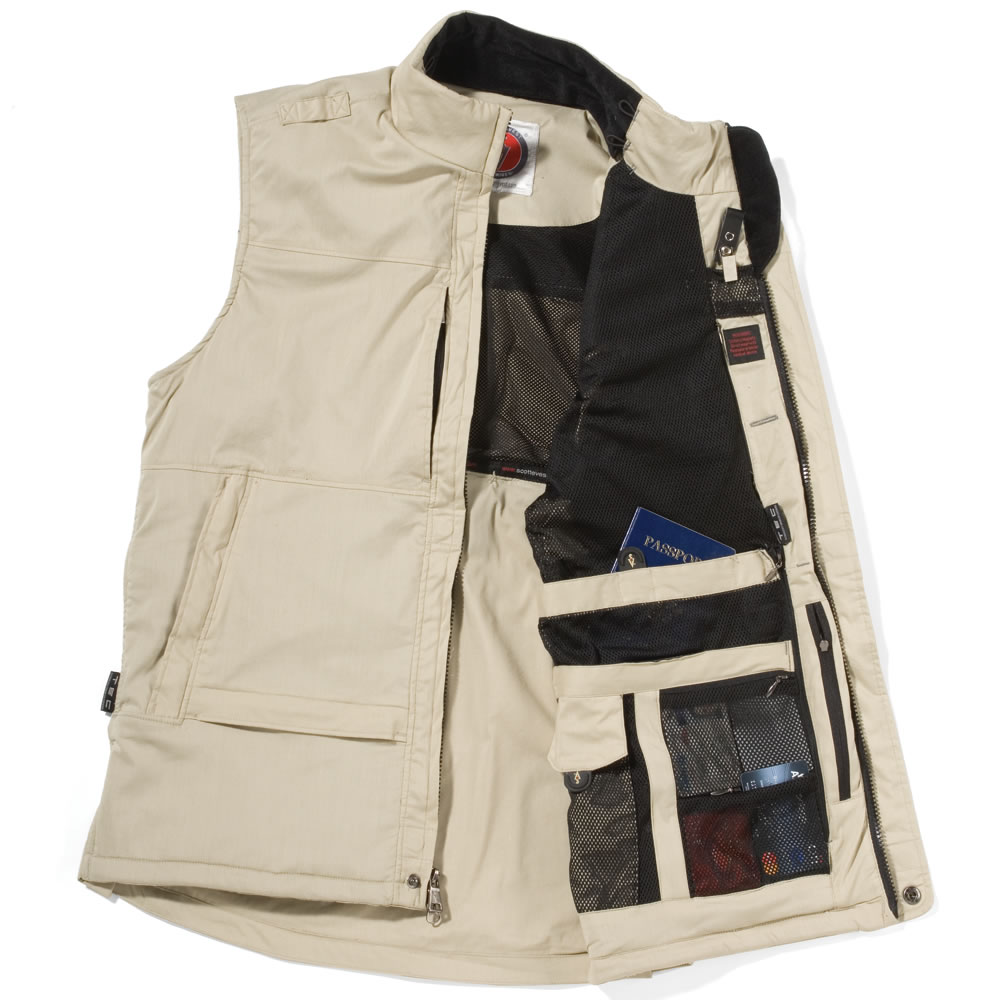 The 29 Pocket Travel Vest Hammacher Schlemmer