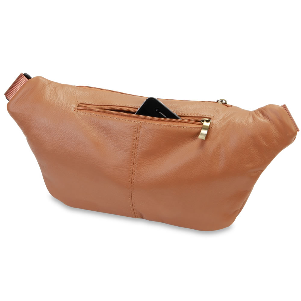 The Organized Traveler's Leather Hip Pouch 2