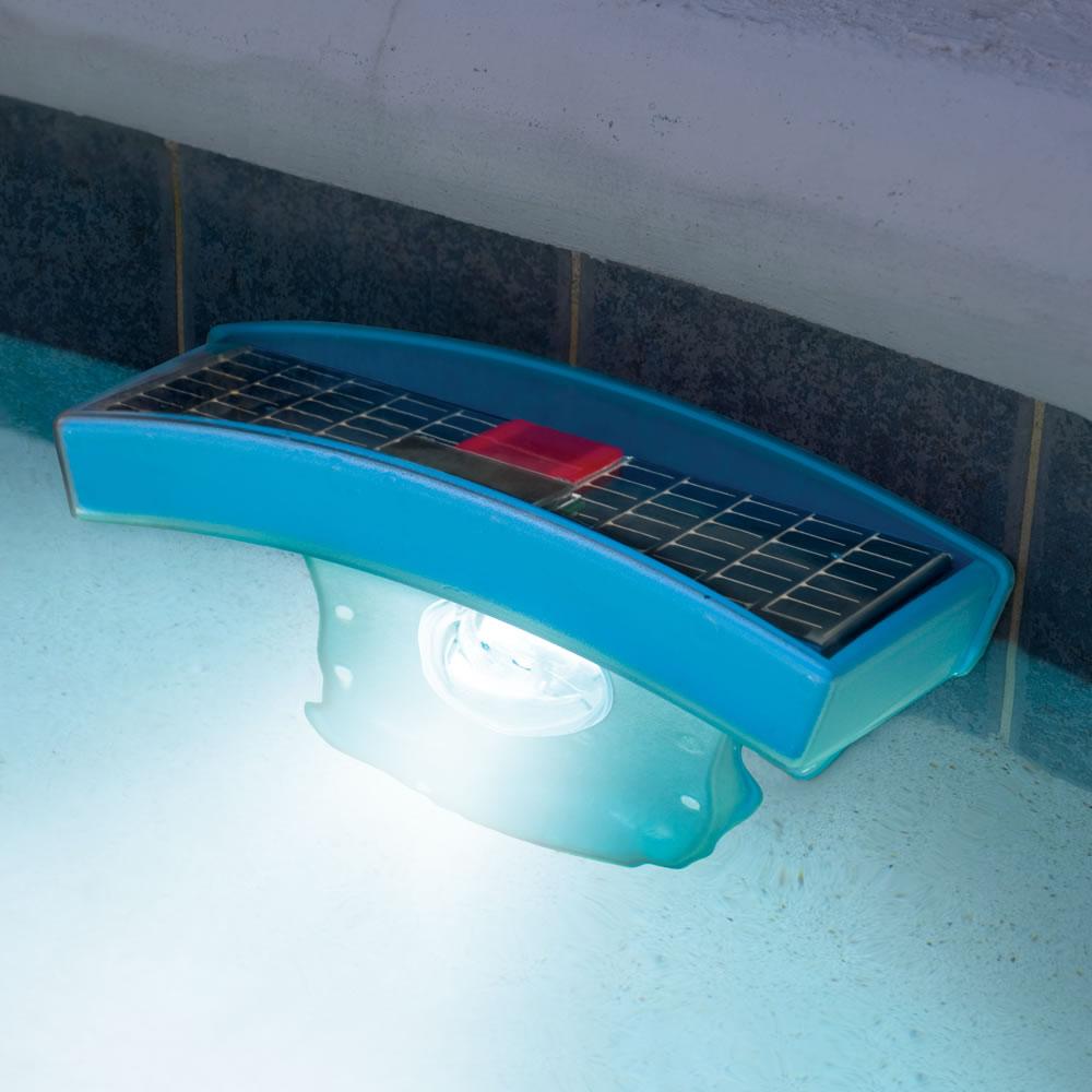 The solar pool light hammacher schlemmer for Pool lights