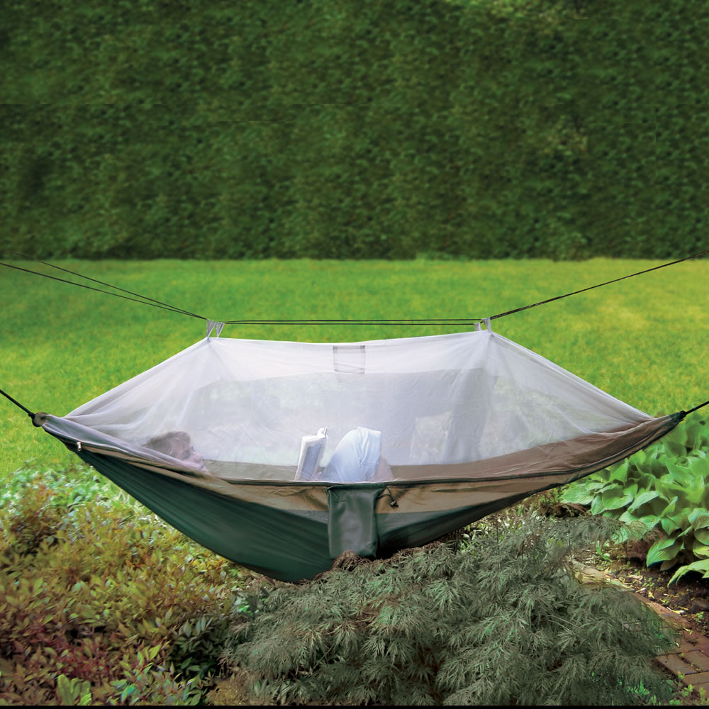 The Backpacker's Mosquito Thwarting Hammock - The Backpacker's Mosquito Thwarting Hammock - Hammacher Schlemmer