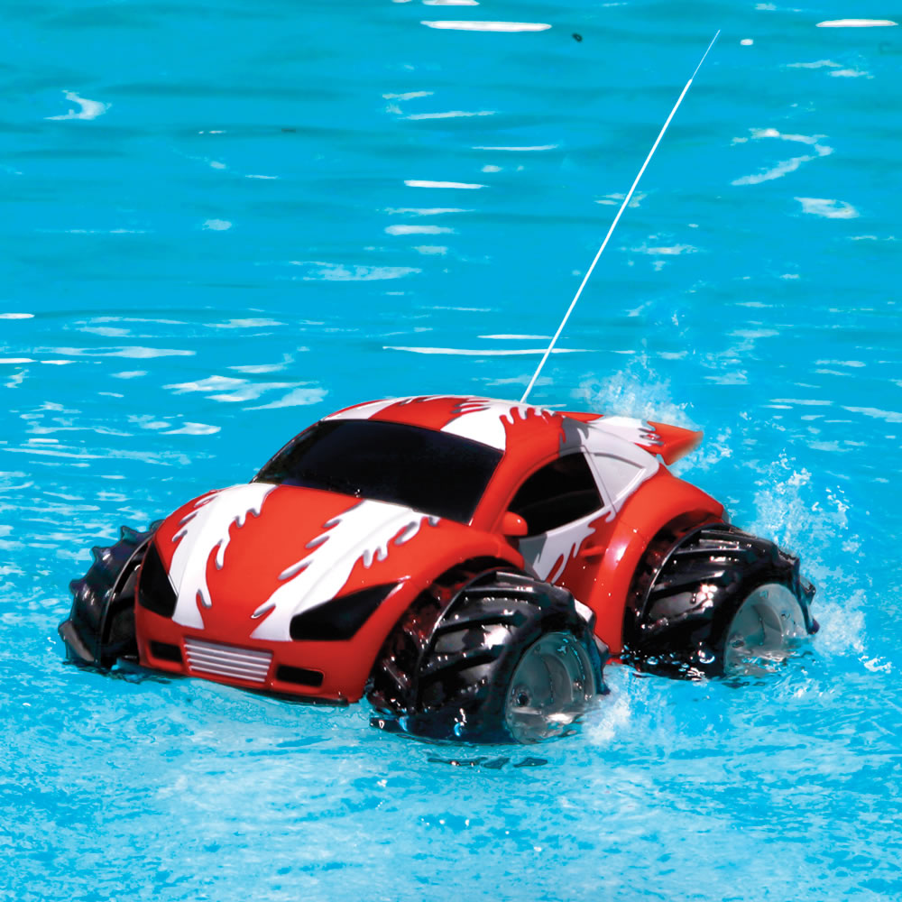 The RC Amphibious Car 1