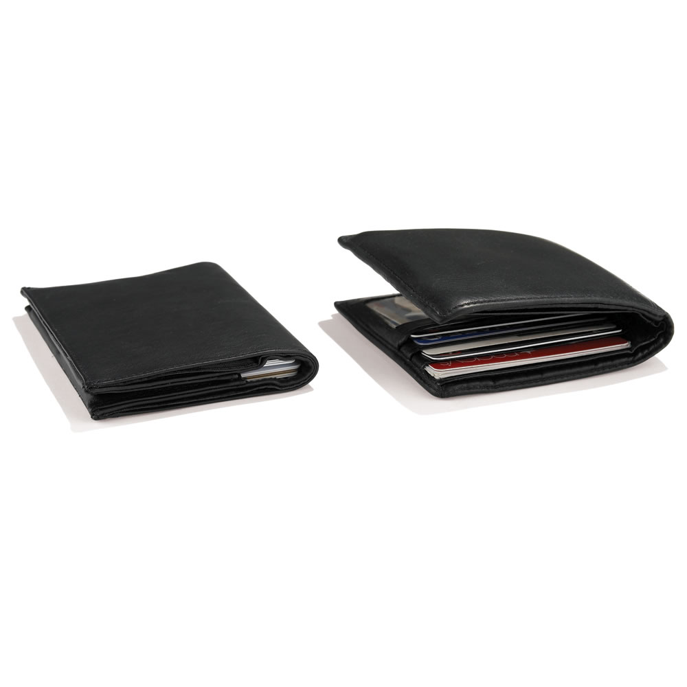 The Thinnest 20 Card Wallet 3