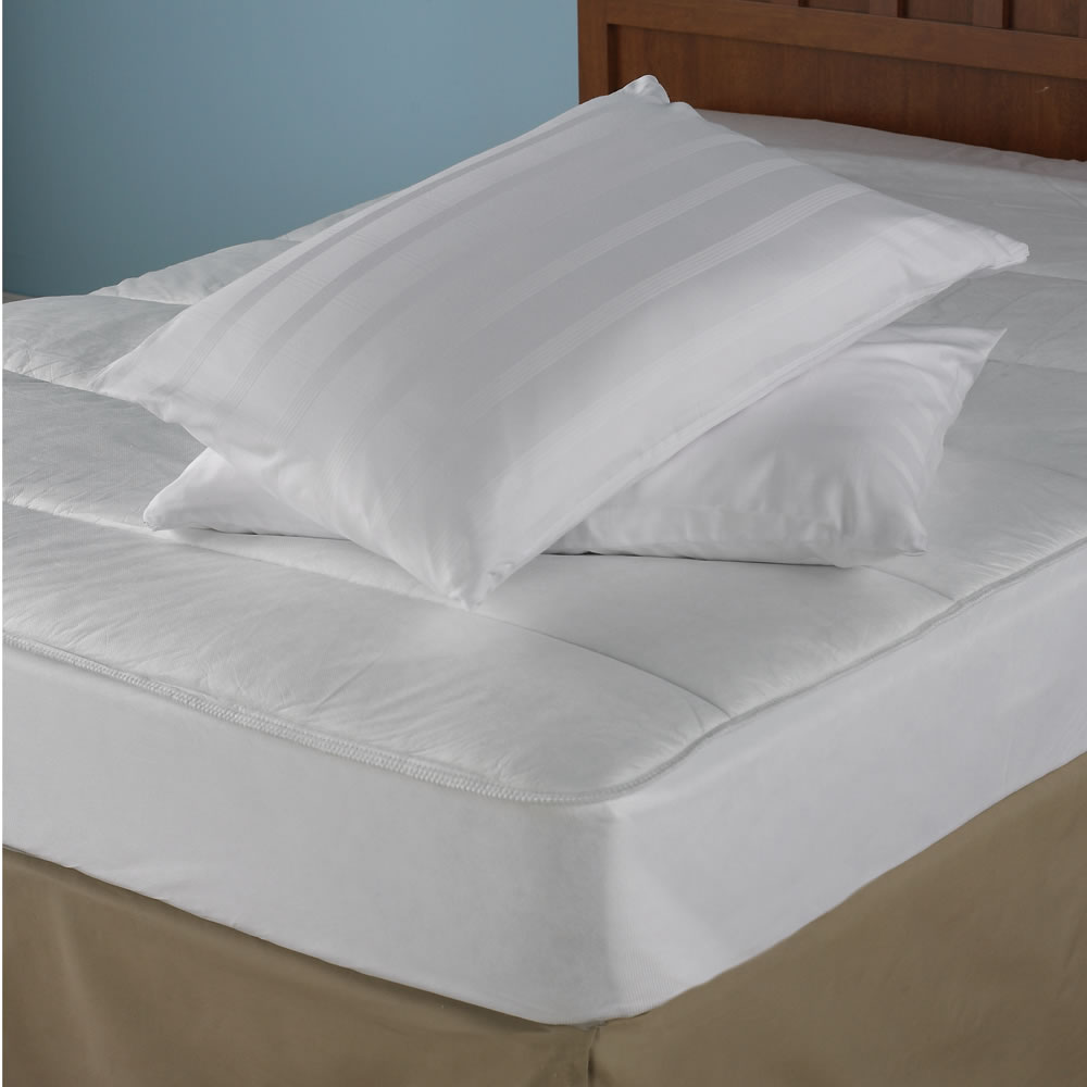 The Odor Eliminating Mattress Pad Hammacher Schlemmer