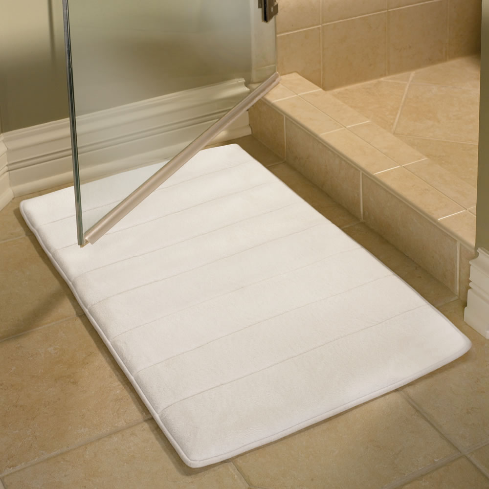 The Memory Foam Bathroom Mat Hammacher Schlemmer