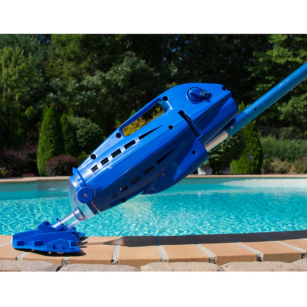 The Hoseless Pool Vacuum 2