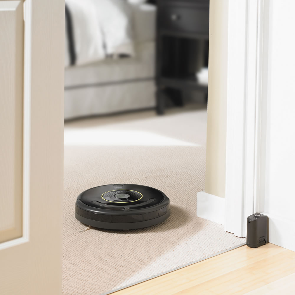 The Pet Bowl Circumventing Roomba 6604