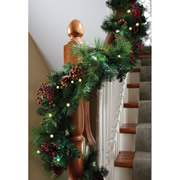 The Cordless Prelit Shaped Garland (9').