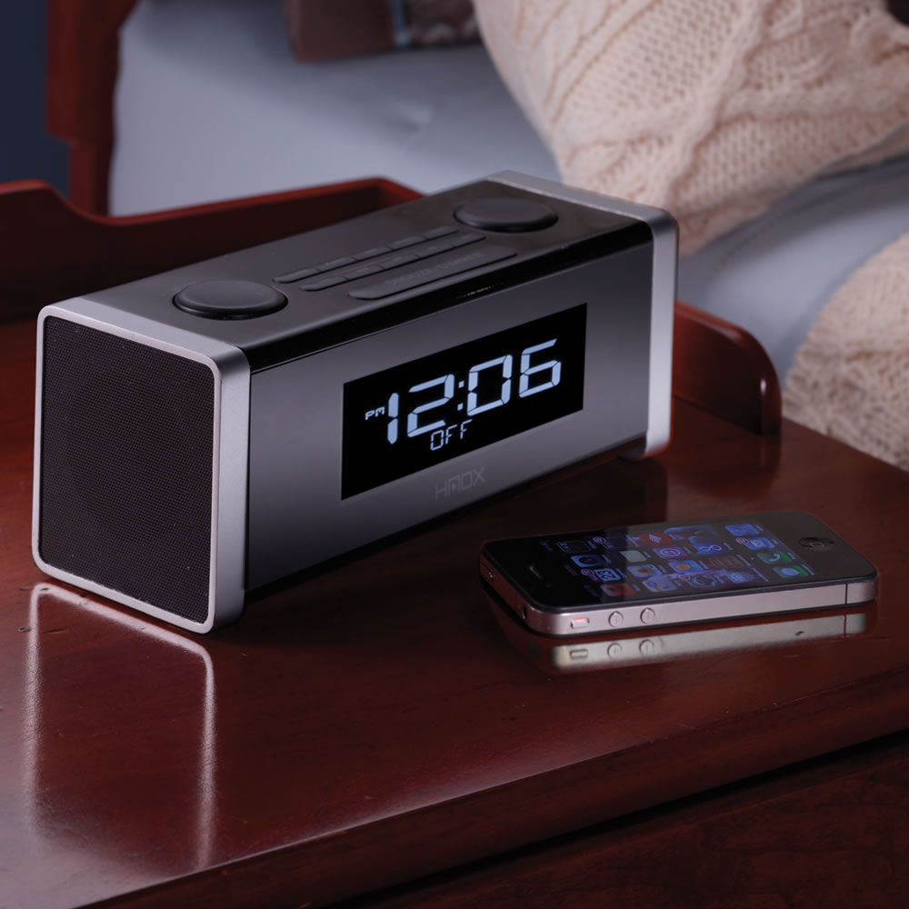 the bluetooth clock radio hammacher schlemmer. Black Bedroom Furniture Sets. Home Design Ideas