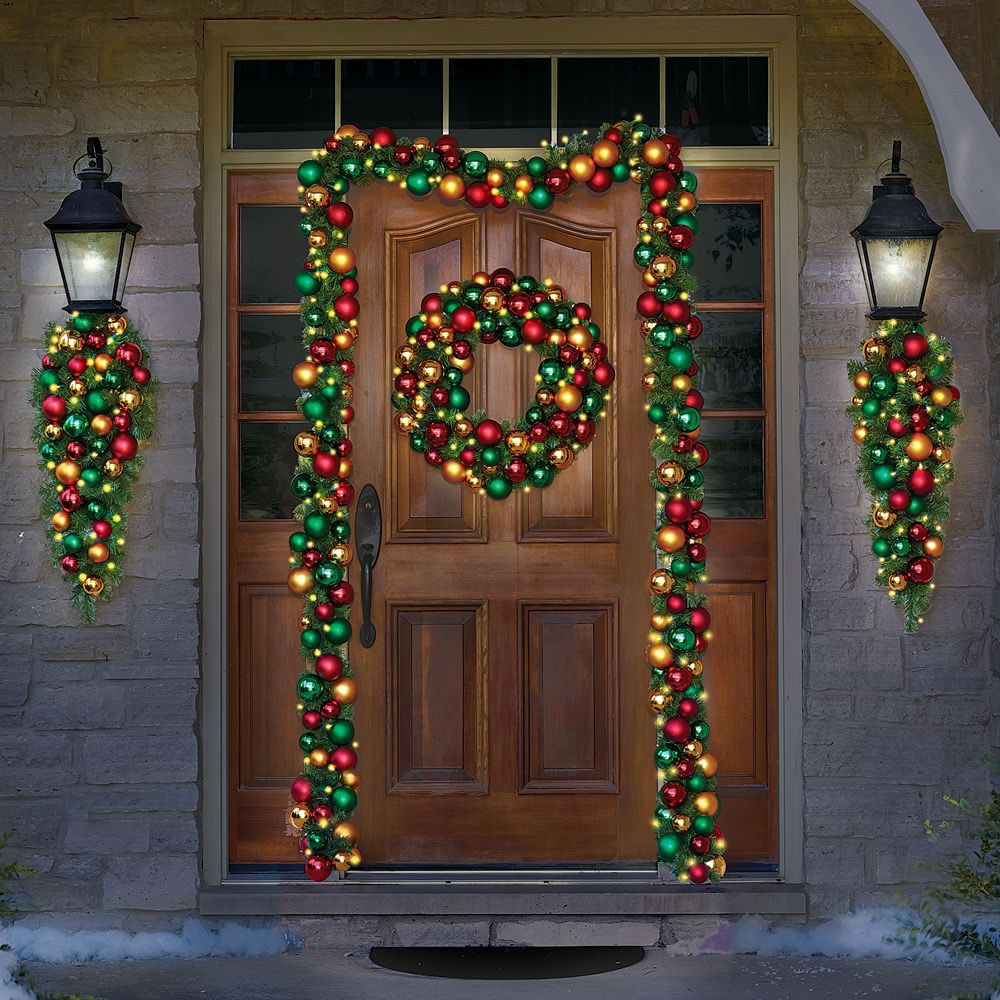 The Ornament Ball Cordless Prelit Wreath 3