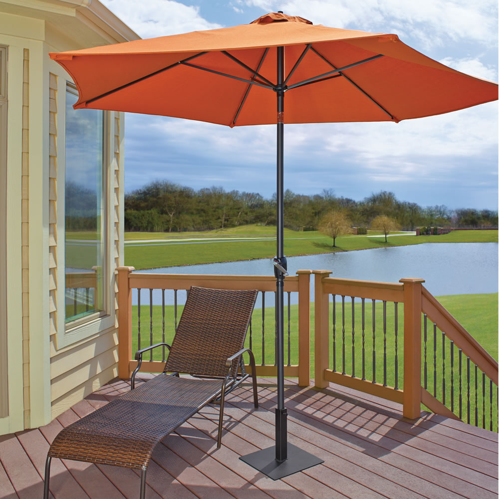 The Lightweight Fin Staked Umbrella Stand 2