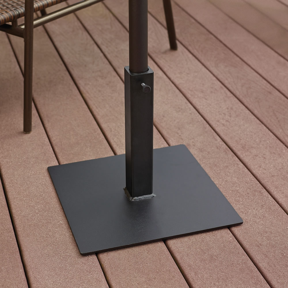 The Lightweight Fin Staked Umbrella Stand 4