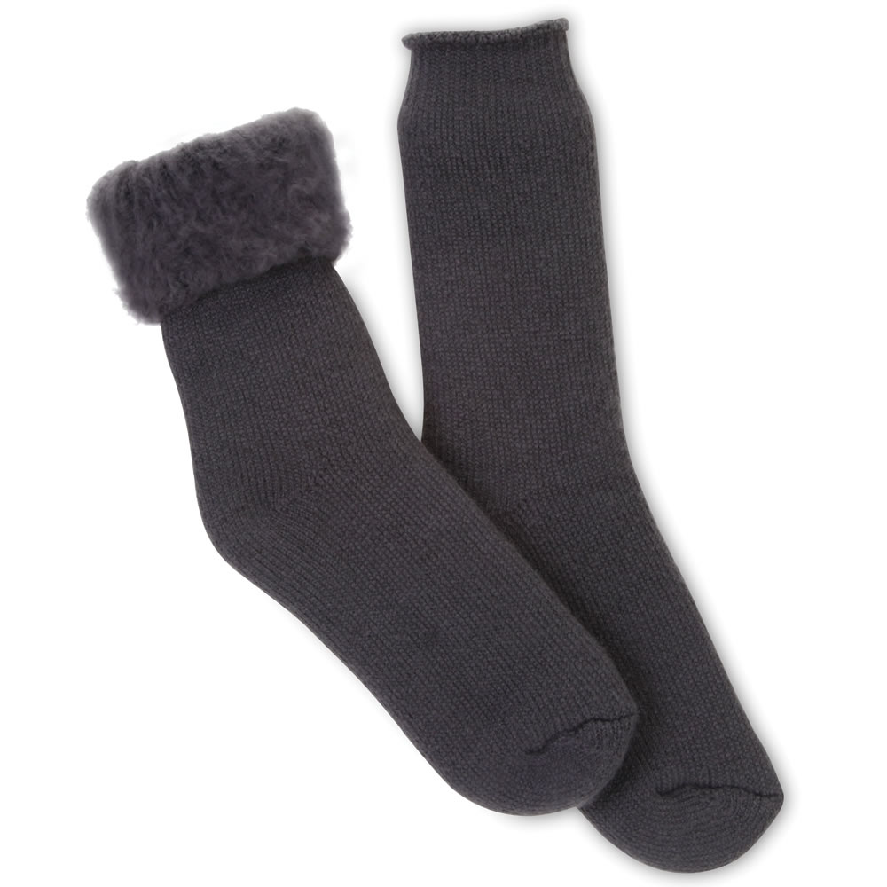 The 7X Heat Retaining Socks 3