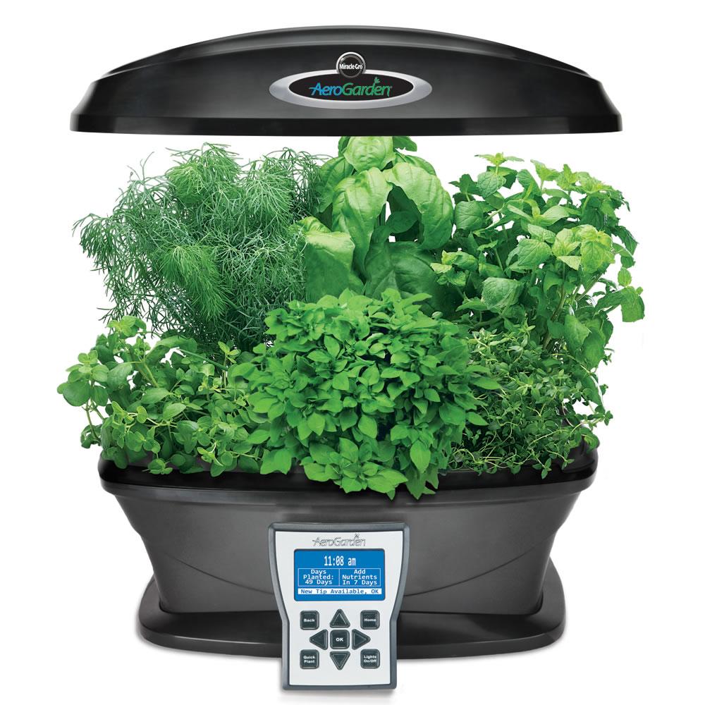 The intelligent indoor garden system hammacher schlemmer for Indoor gardening ventilation system