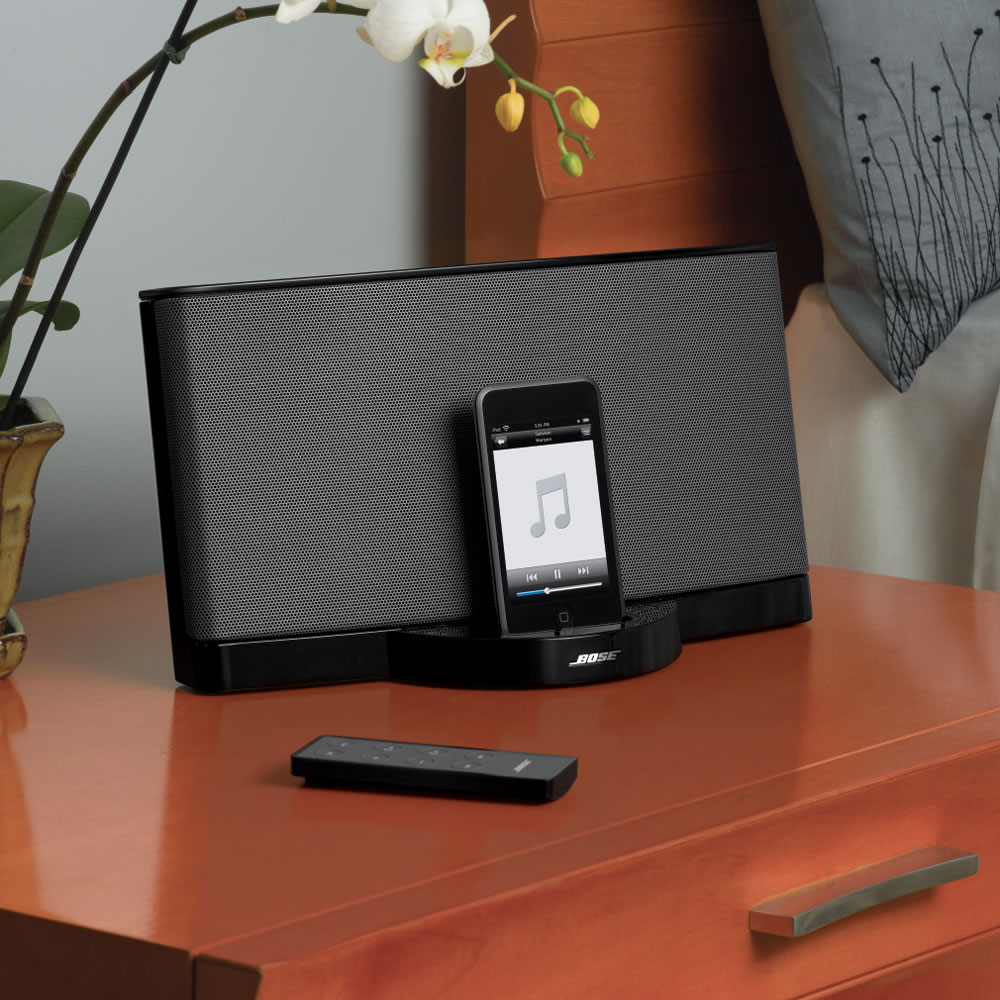 The Bose iPhone 4 Sound Dock 2