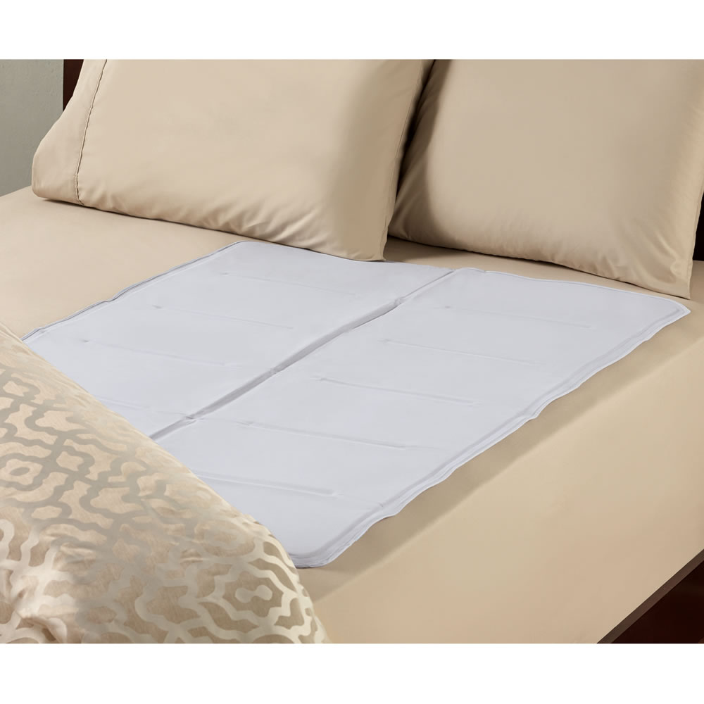 The Instant Cooling Bed Pad (Queen-Full) 1
