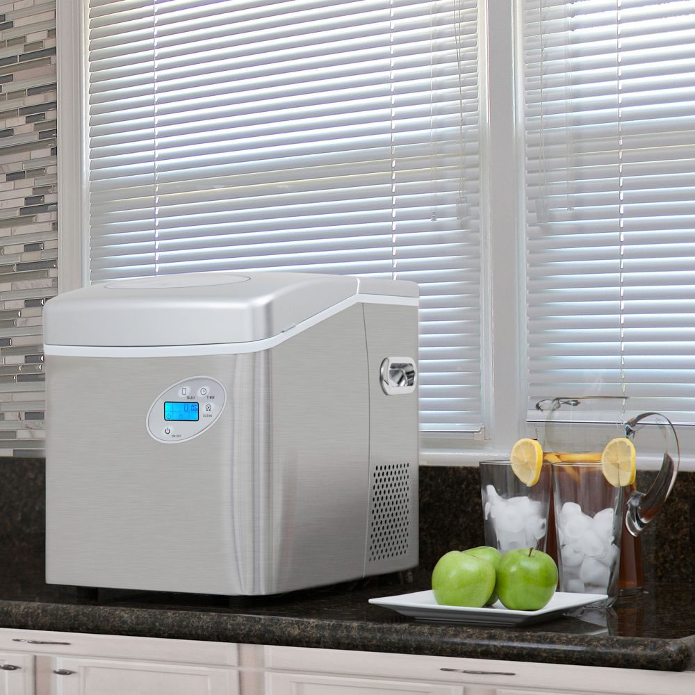The Superior Tabletop Ice Maker 4