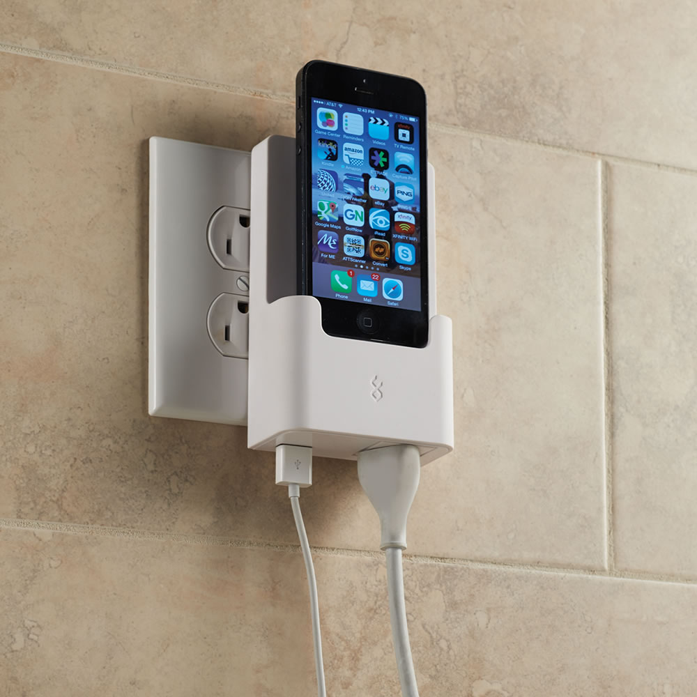 The iPhone 5 Outlet Charging Dock 1