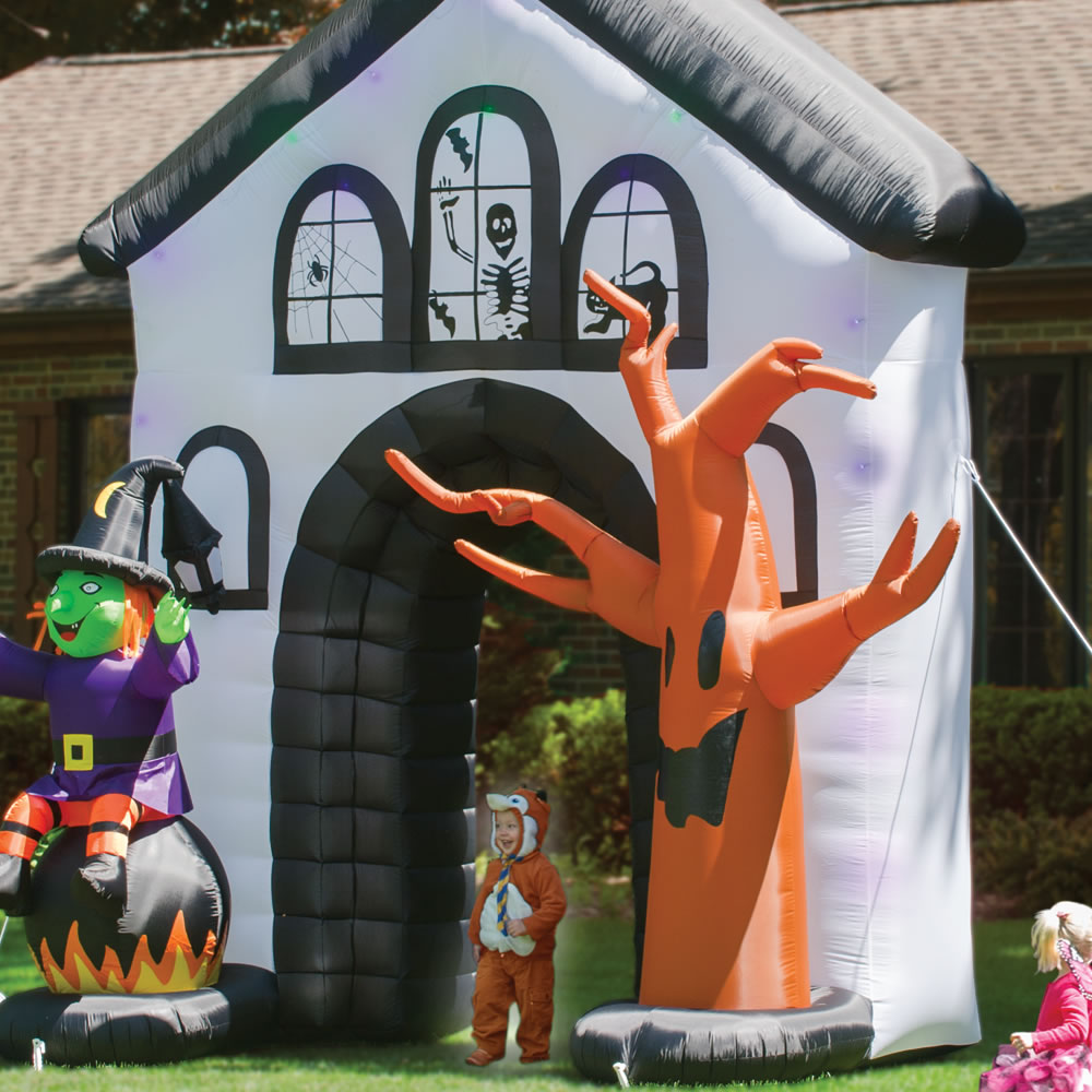 The Inflatable Howling Haunted House2