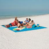 The Only Six-Person Sandless Beach Mat.