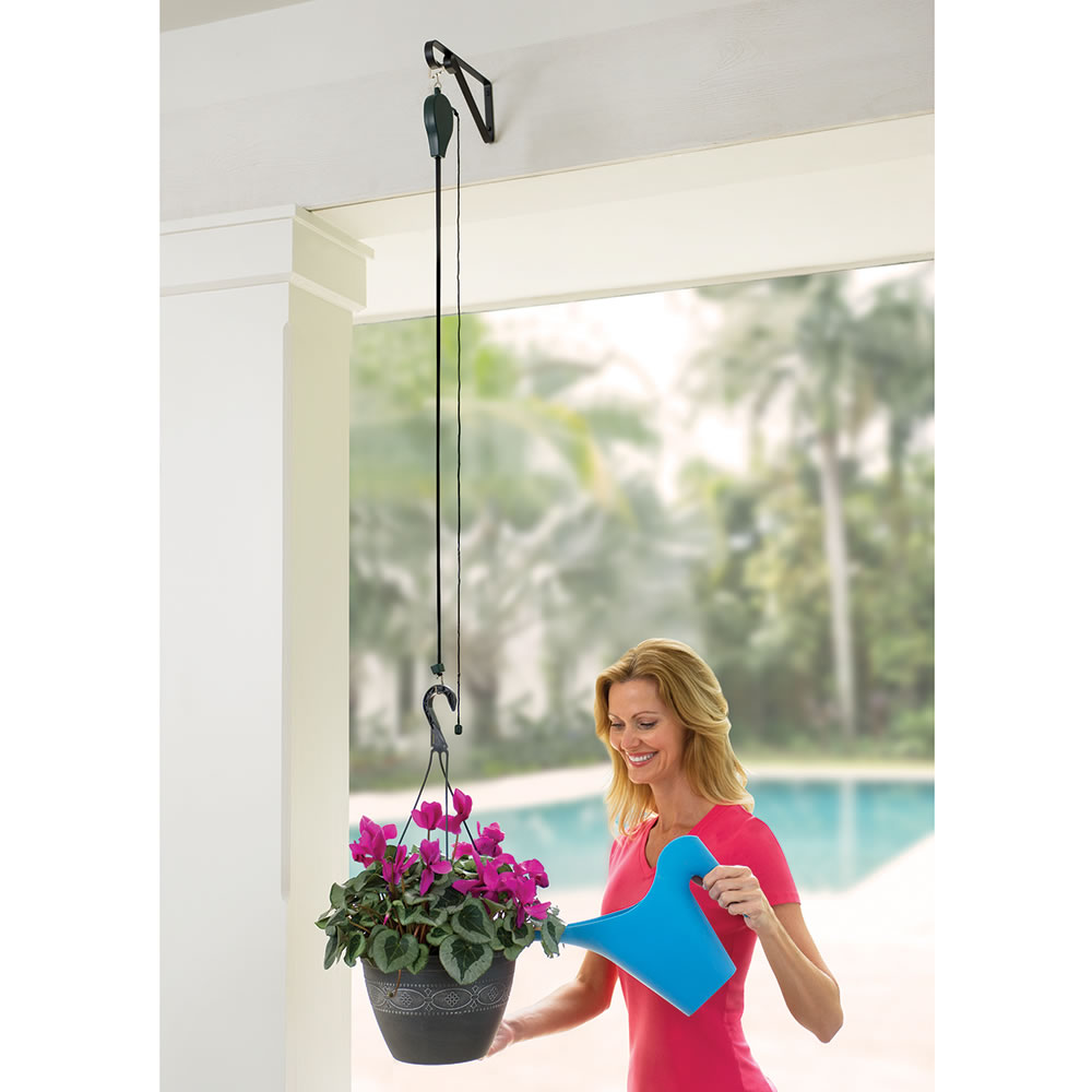 The Planter And Birdfeeder Pulley System 2