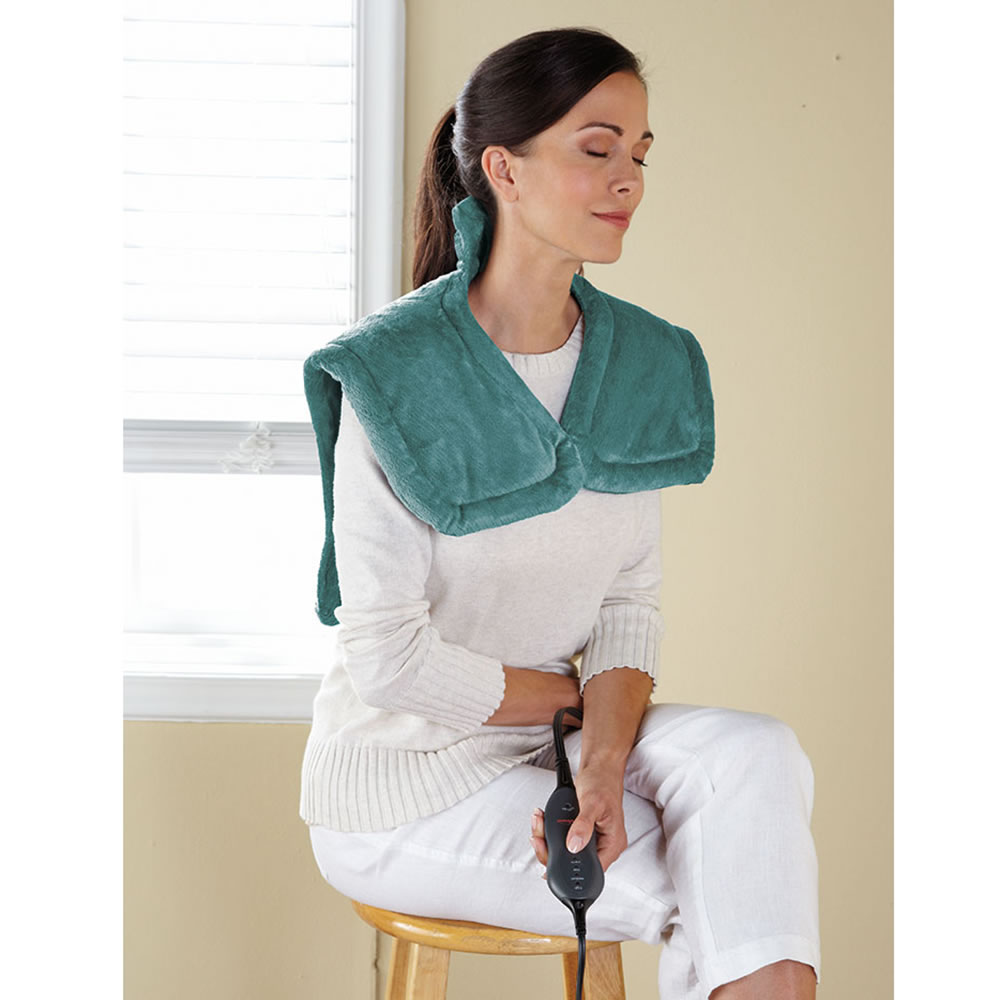 The Massaging Neck And Shoulder Heat Wrap 2