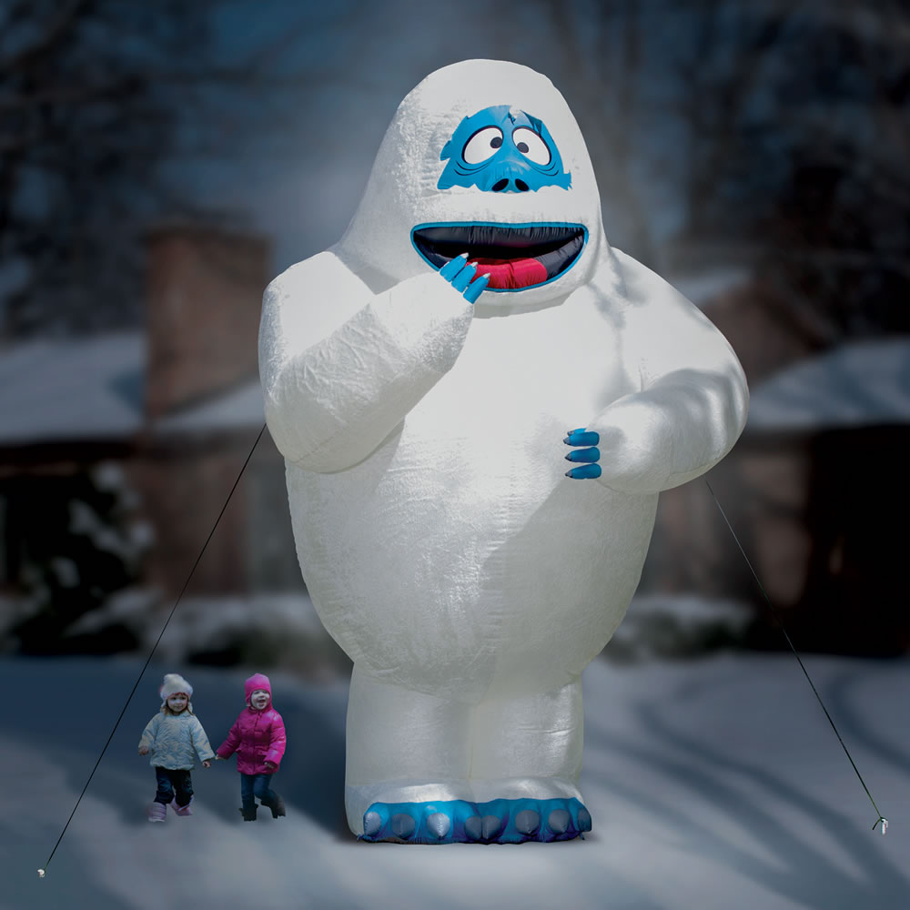 The 15 ft inflatable bumble the snow monster hammacher for Abominable snowman outdoor decoration
