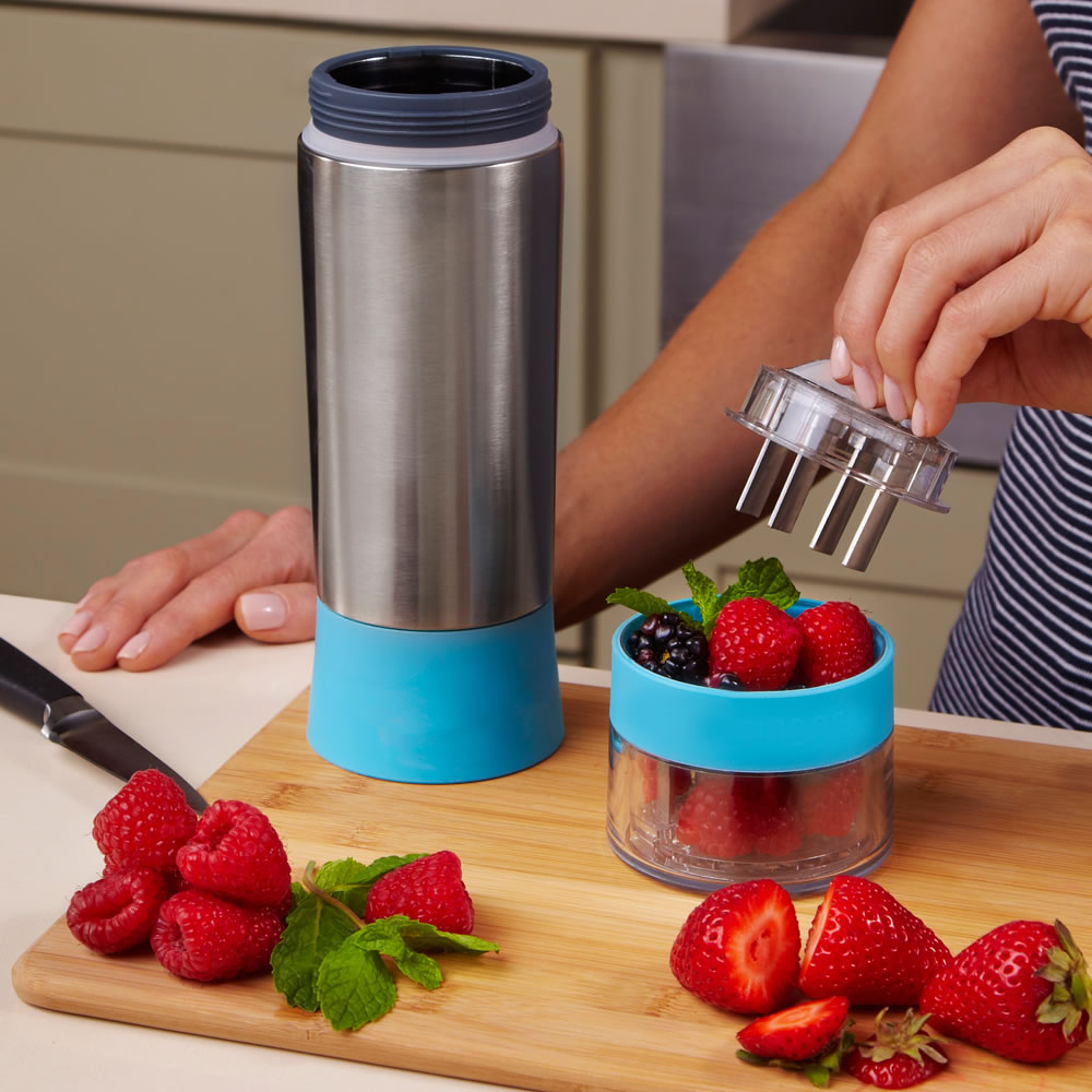 The Flavor Infusing Water Bottle 3