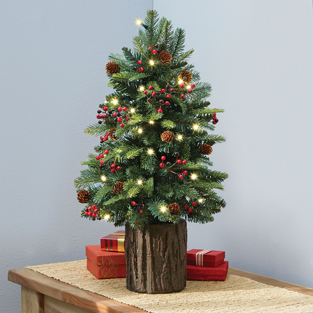 Tabletop christmas tree decorating ideas - This Prelit Tree Will Add The Lighting Effect To Your Christmas Decorations It Has A Typical Rustic Feel As Well