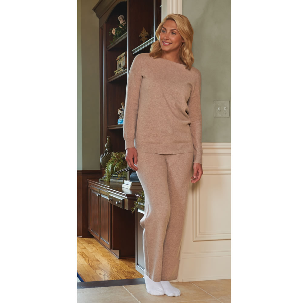 The Lady's Washable Cashmere Lounge Top 3