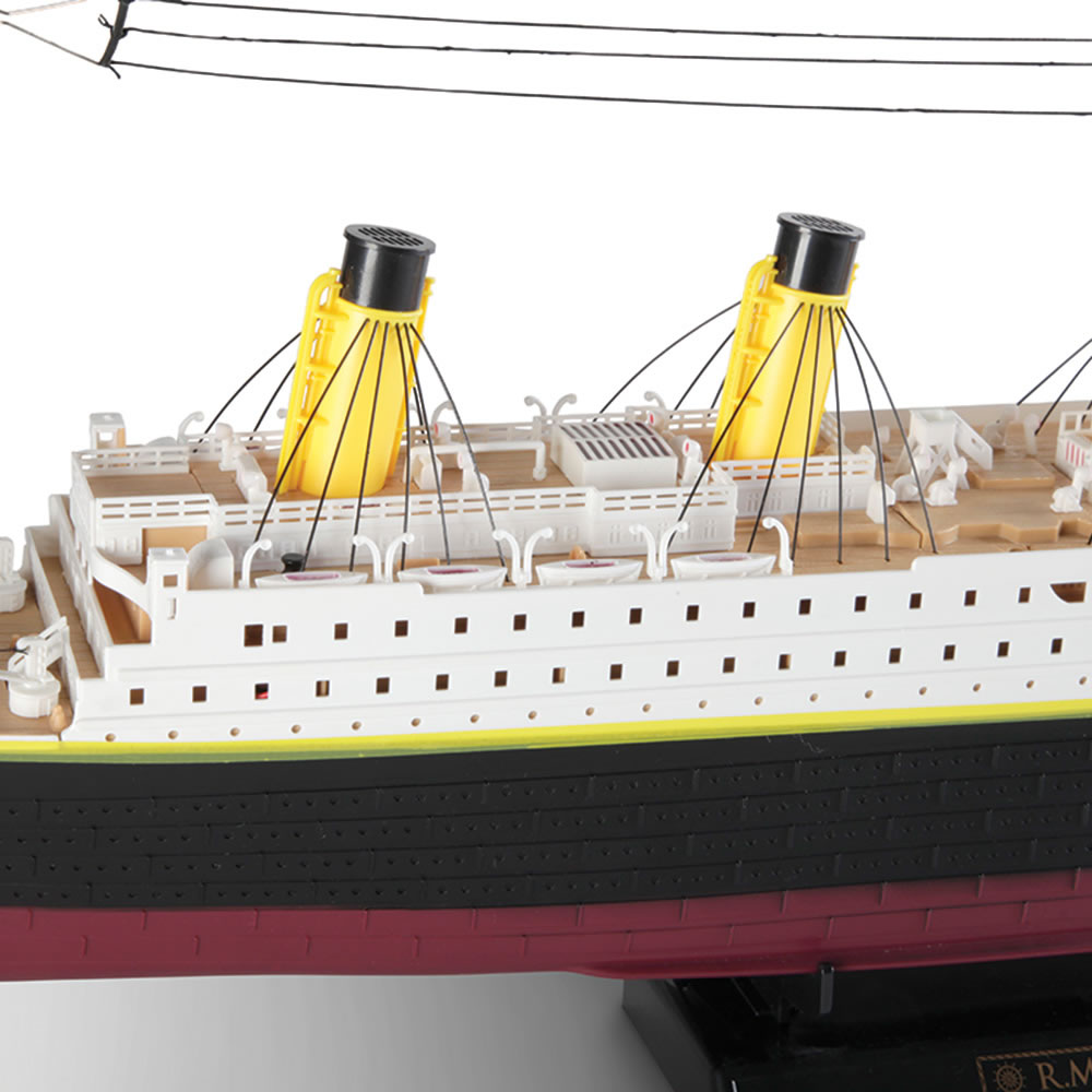 The Unsinkable Remote Controlled RMS Titanic 5