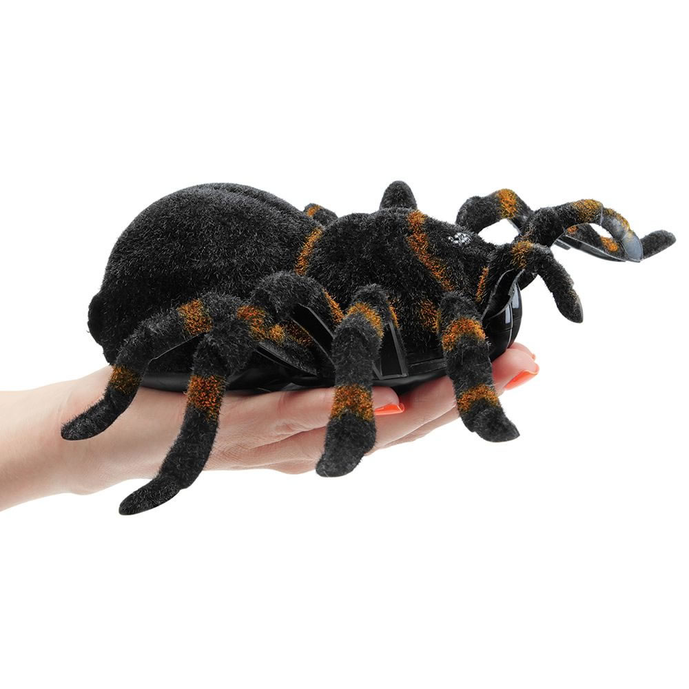 the rc giant tarantula   hammacher schlemmer