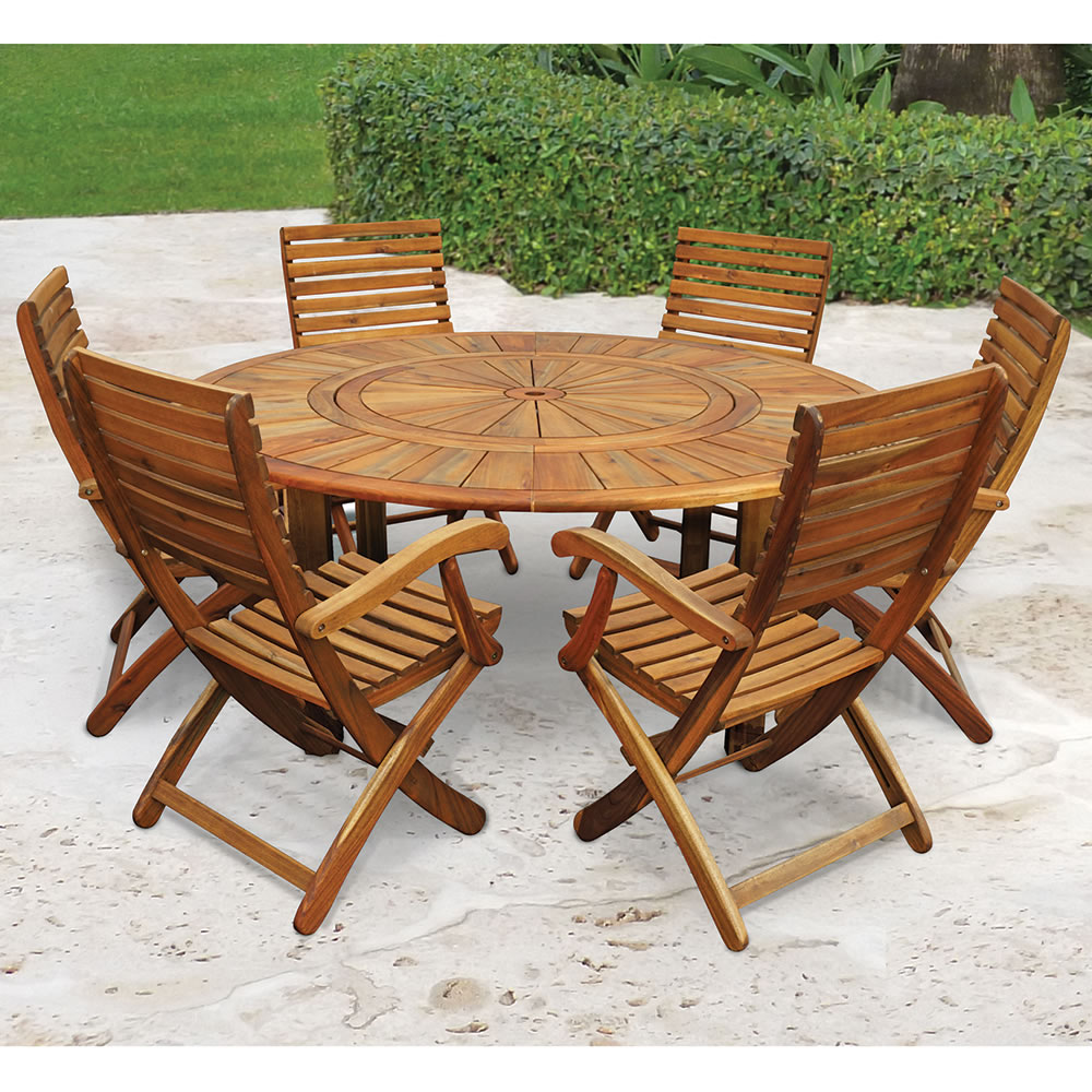 Outdoor table and chairs - The Lazy Susan Outdoor Table Set