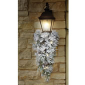 The Cordless Prelit Lillehammer Teardrop Sconce.