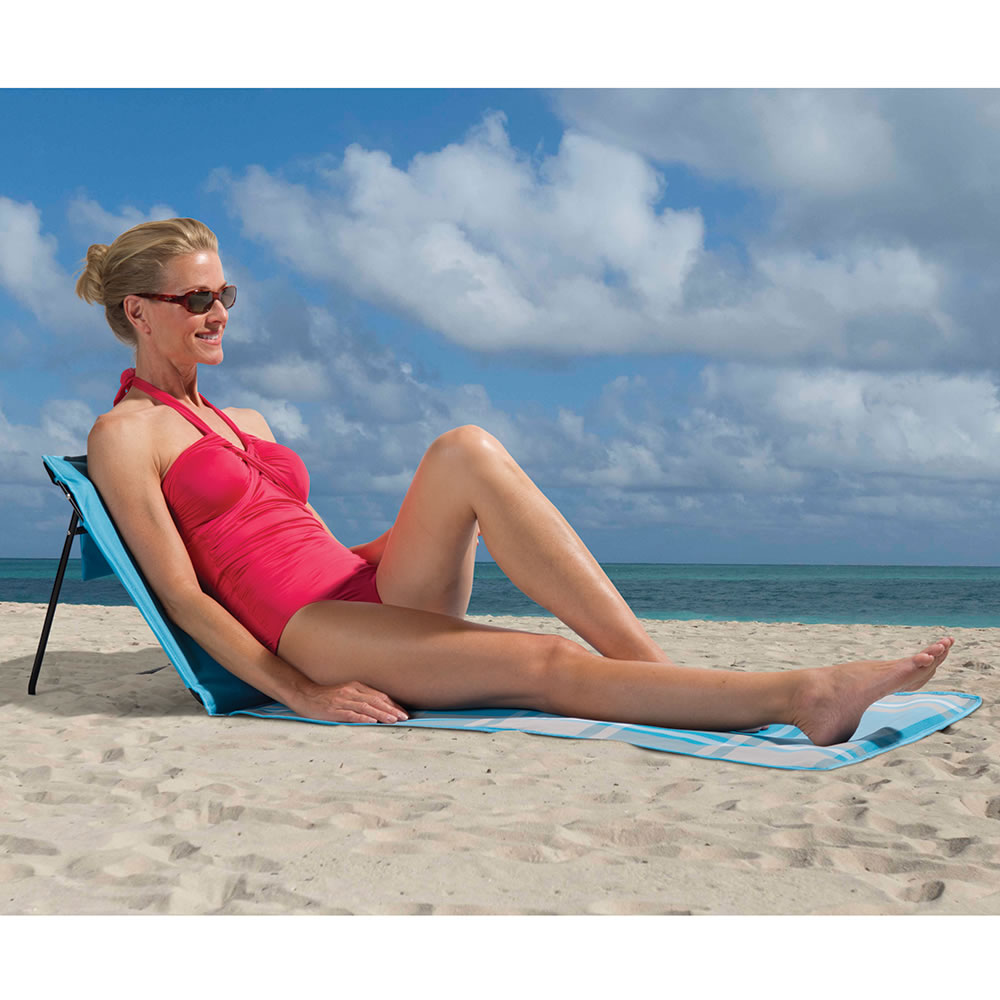 The Sandless Portable Beach Lounger1