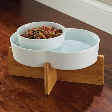 The Anti Ant Moated Pet Bowl.