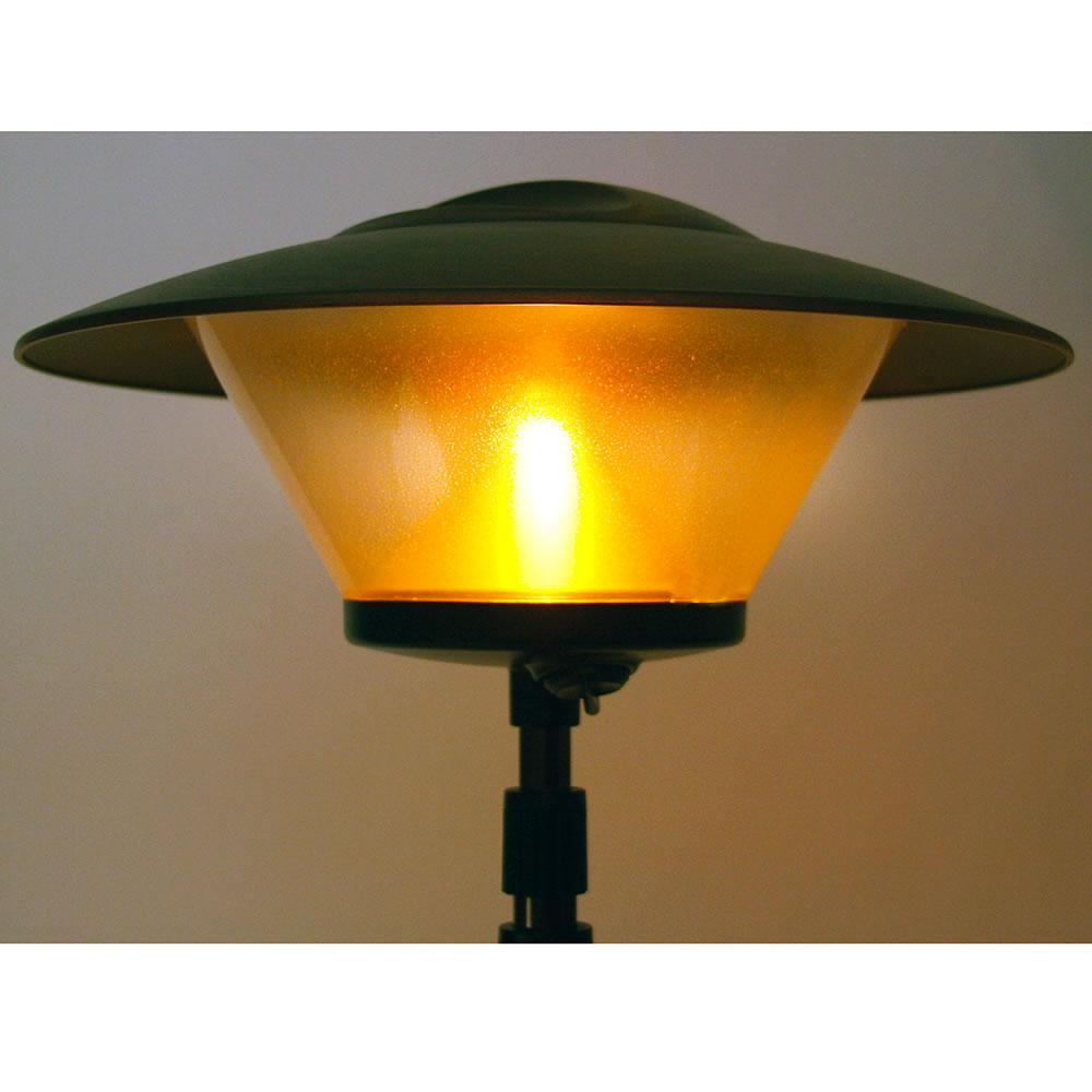 The Cordless Telescoping Patio Lamp3