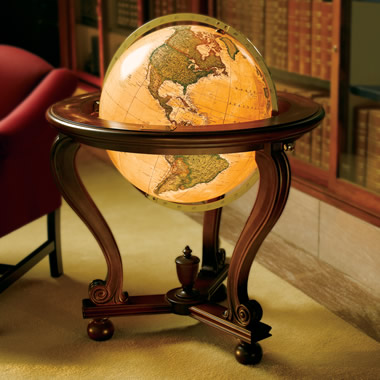 The Lead Crystal Everest Globe