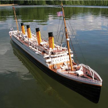 The Authentic 6 Foot Remote Controlled RMS Titanic.