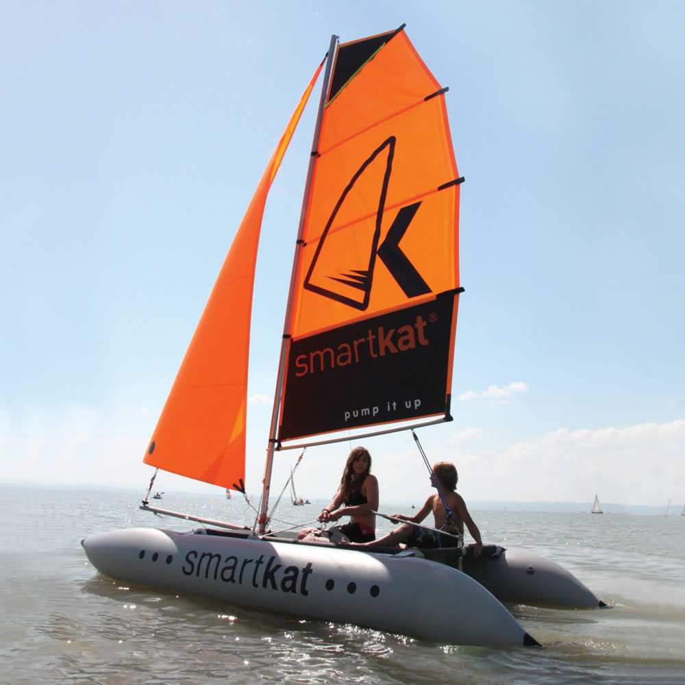 The Inflatable 14 Foot Catamaran - Hammacher Schlemmer