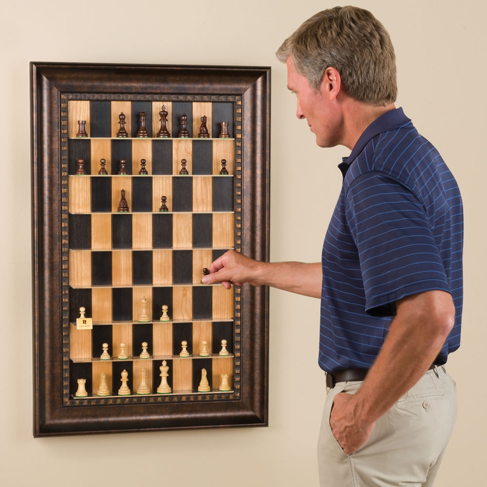 Superieur The Vertical Chess Set.
