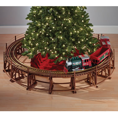 Christmas Tree Train.The Manhattan Railway Christmas Tree Train Trestle