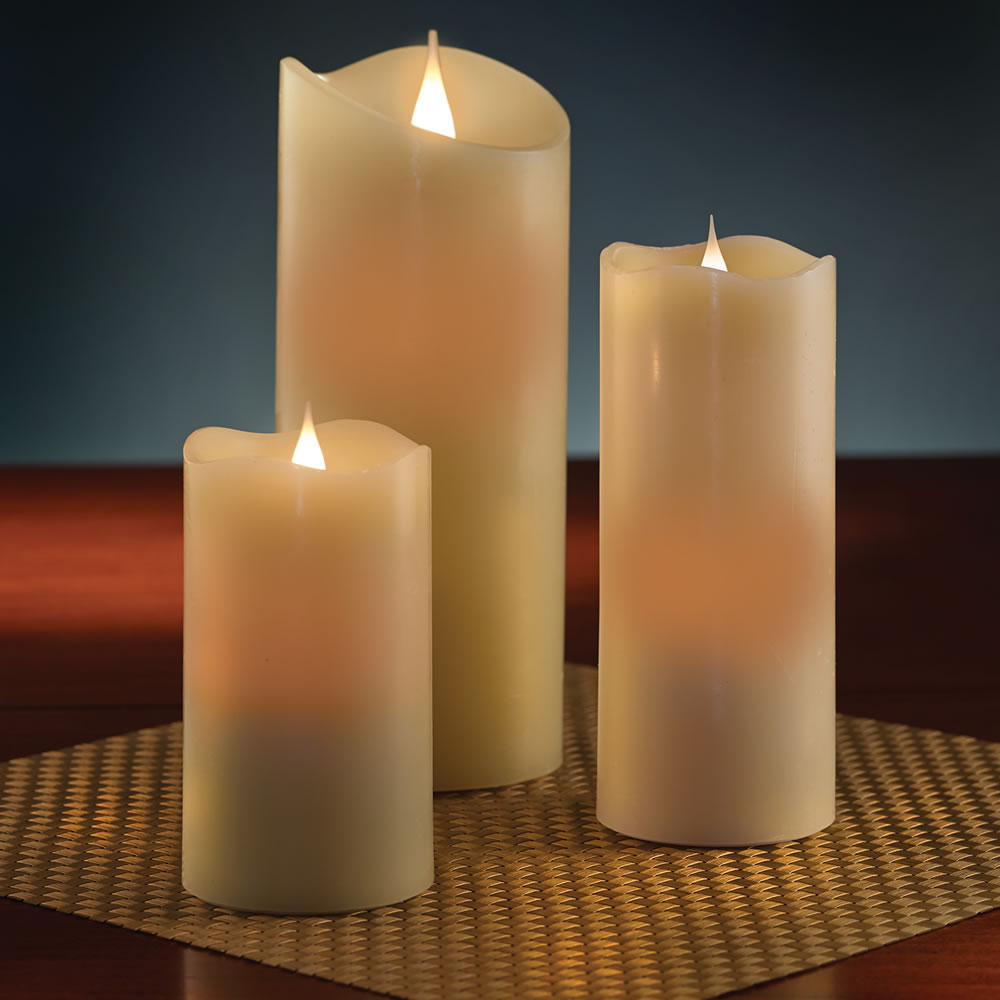 Com: The Most Realistic Flameless Candle