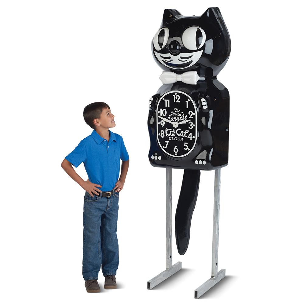 the world 39 s largest kit cat clock hammacher schlemmer. Black Bedroom Furniture Sets. Home Design Ideas
