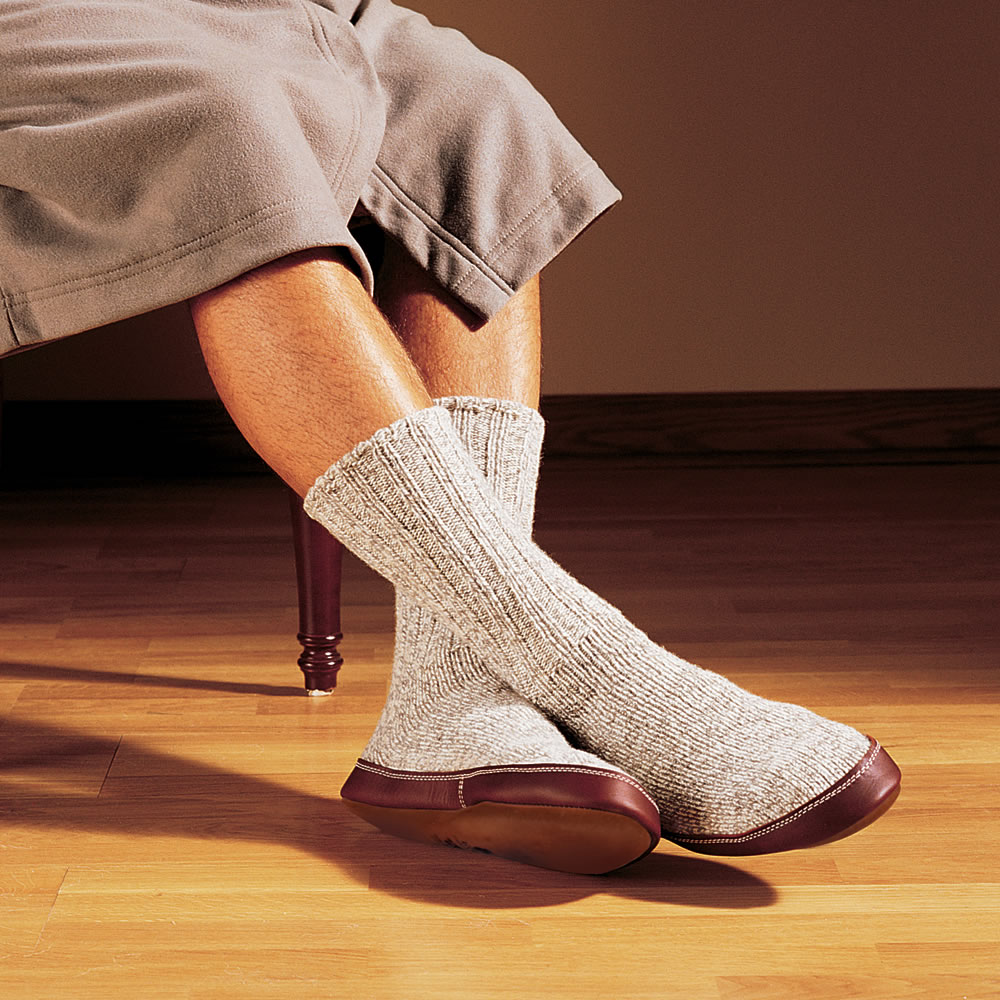 The Astronaut S Slipper Socks Hammacher Schlemmer