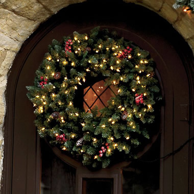 The Elegant 30-Inch Pre-Lit Wreath.