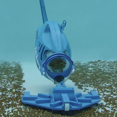 The Hoseless Portable Pool Vacuum Hammacher Schlemmer